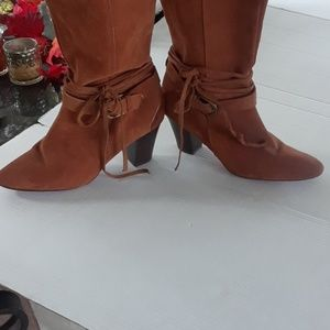 Twiggy  London suede boots